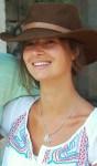 Marie Lussignol, comédienne, photochapeau